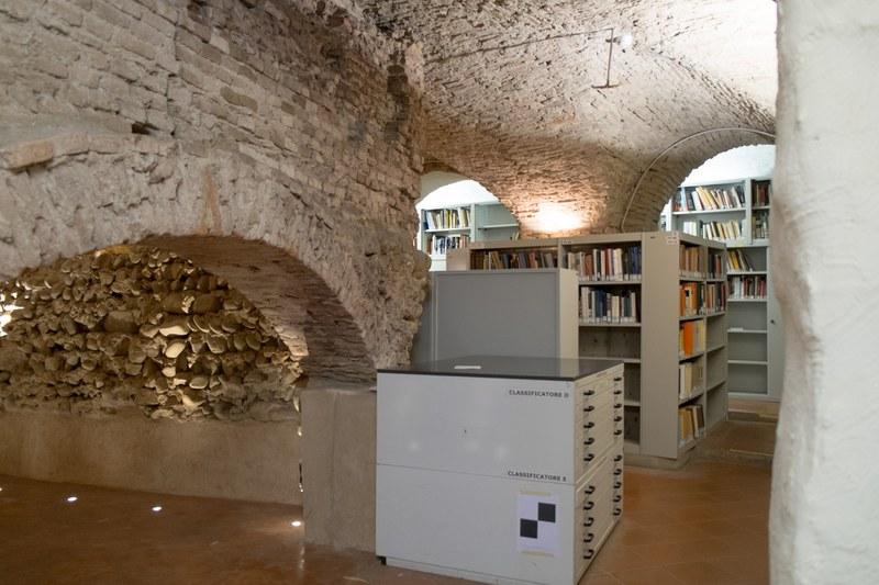 """Biblioteca di archeologia: il """"rudere"""""""