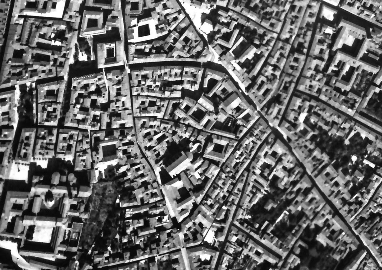 Fotografia aerea dell'area di San Giovanni in Monte, ripresa negli anni trenta del Nnovecento dall'Istituto Geografico Militare