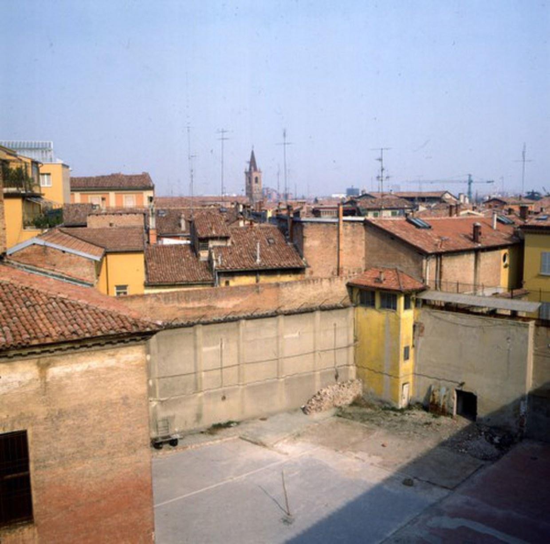 Fotografia del cortile del carcere